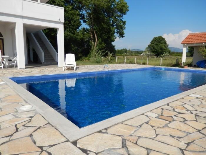 villa- in- ulcinj.jpg